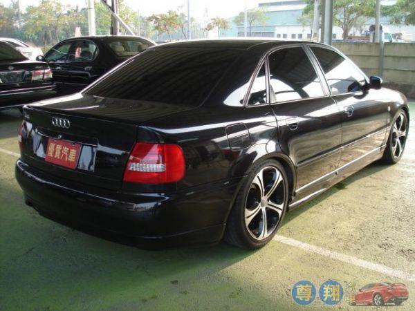 Audi 奧迪 A4 1.8 照片4