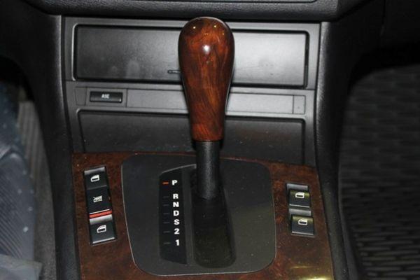 BMW 318 1.9 紅色 照片8
