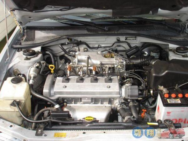 Toyota豐田 Premio 照片4