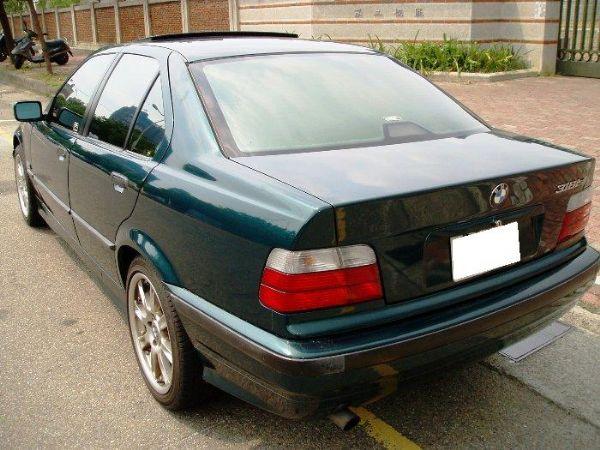 BMW 318is  照片4