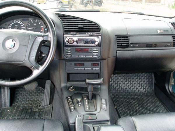 BMW 318is  照片8