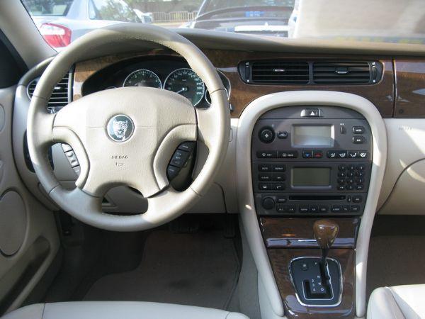 運通汽車-2003年-積架-X-Type 照片2