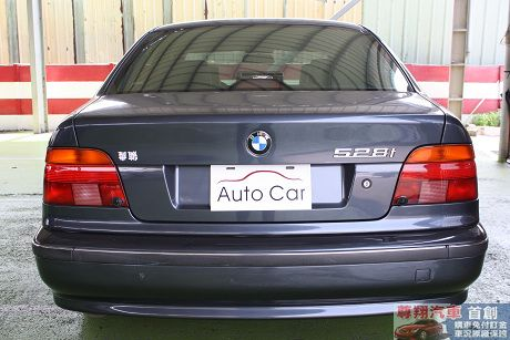 BMW 寶馬 5系列 528 照片8