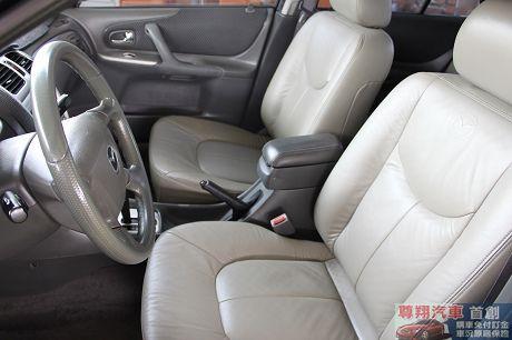 Mazda 馬自達 323 照片8