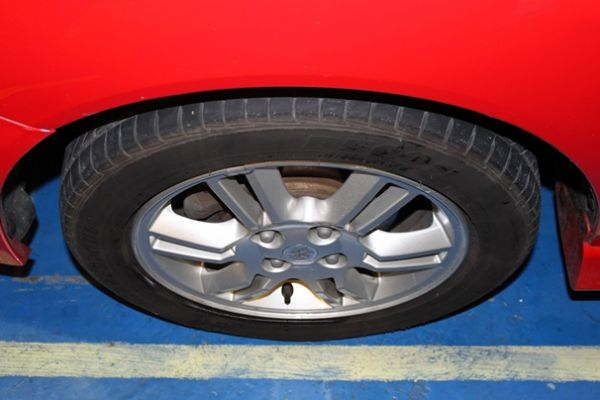 三菱 VIRAGE IO 1.8 紅色 照片3