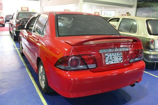 三菱 VIRAGE IO 1.8 紅色 照片10