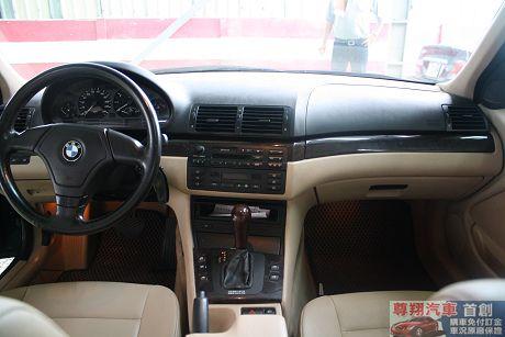 BMW 寶馬 3系列 318 照片10