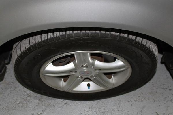 現代 TRAJET 2.0 銀色 柴油 照片3