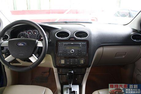 Ford 福特 Focus 1.8 照片6