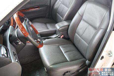 Toyota豐田 Altis 照片5