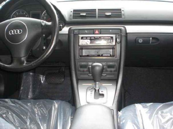 Audi 奧迪 A4 照片4