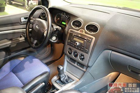 Ford 福特 Focus 2.0 照片8