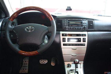 Toyota豐田 Altis 照片6