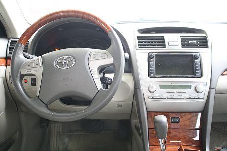 Toyota豐田 Camry 照片9