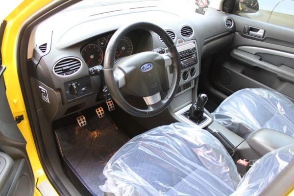 福特 FOCUS 2.0 黃色(手排) 照片5
