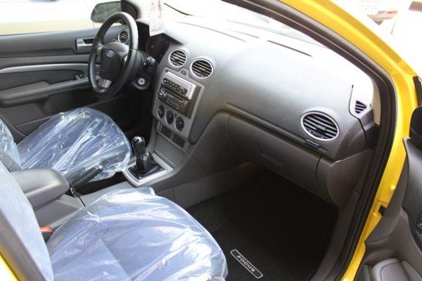 福特 FOCUS 2.0 黃色(手排) 照片6