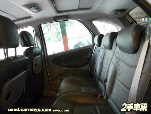 02年5門轎式休旅 照片5