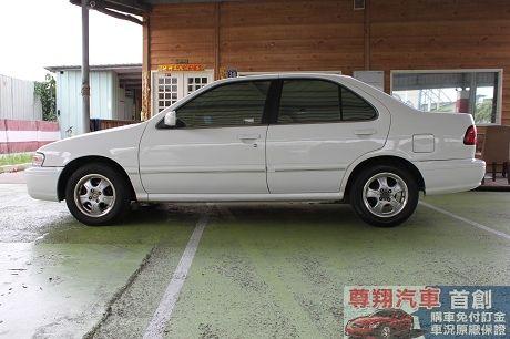 Nissan 日產 Sentra CE 照片4