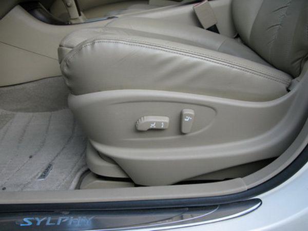 運通汽車-2008年-日產-青鳥 照片7