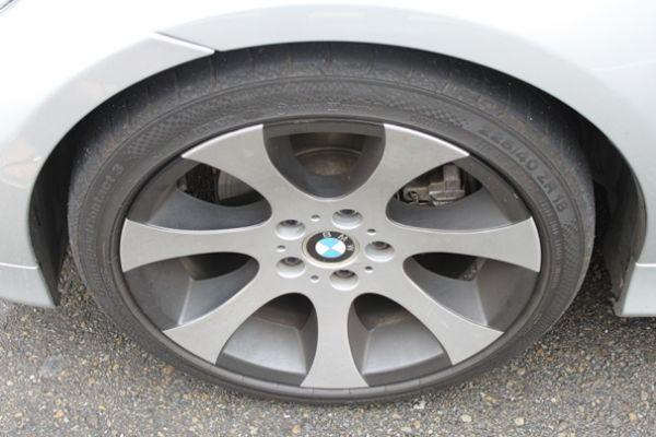BMW 323  2.5 銀色 照片3