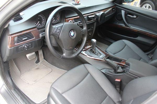 BMW 323  2.5 銀色 照片4