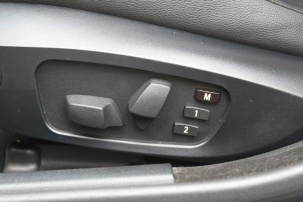 BMW 323  2.5 銀色 照片5
