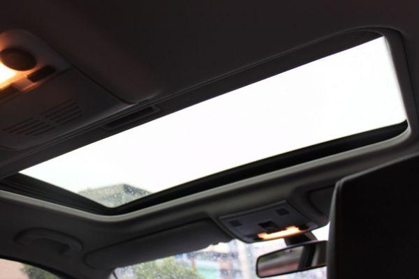 BMW 323  2.5 銀色 照片7