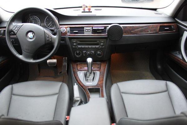 BMW 323  2.5 銀色 照片8