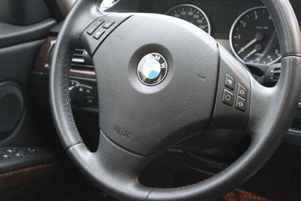 BMW 323  2.5 銀色 照片9