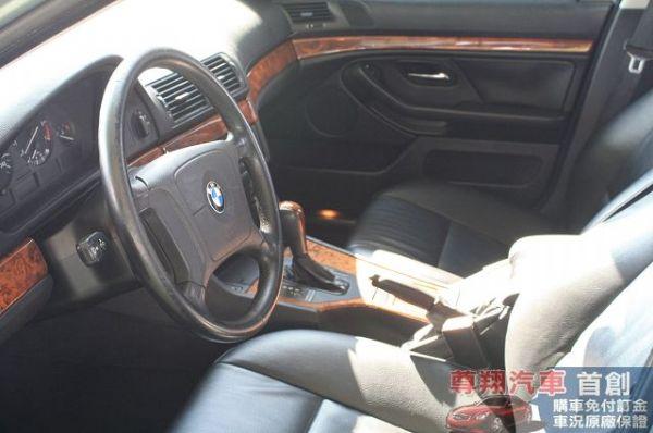 BMW 寶馬 5系列 520 照片4