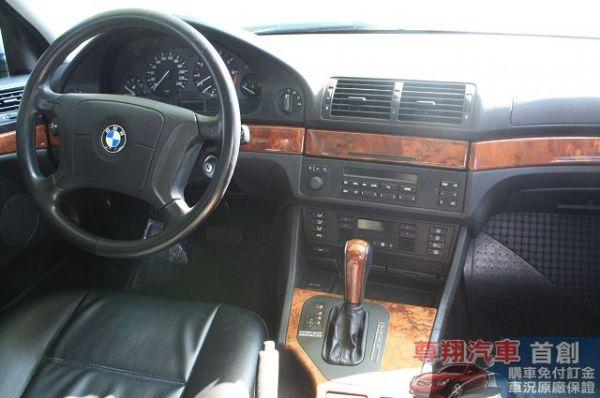 BMW 寶馬 5系列 520 照片8
