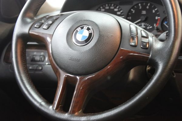 BMW 318 1.9 黑色 照片7