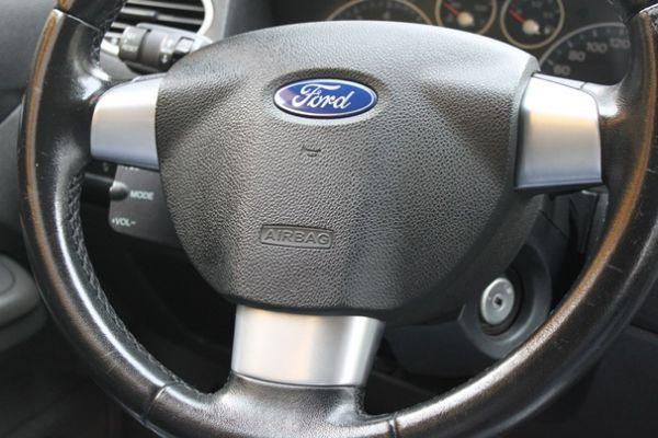 福特 FOCUS 5D 2.0 藍色 照片6
