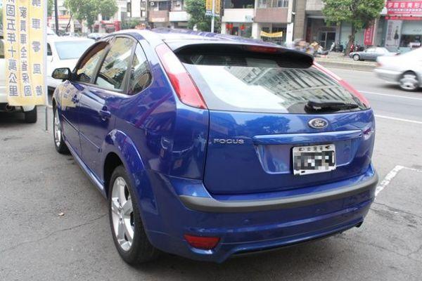 福特 FOCUS 5D 2.0 藍色 照片9