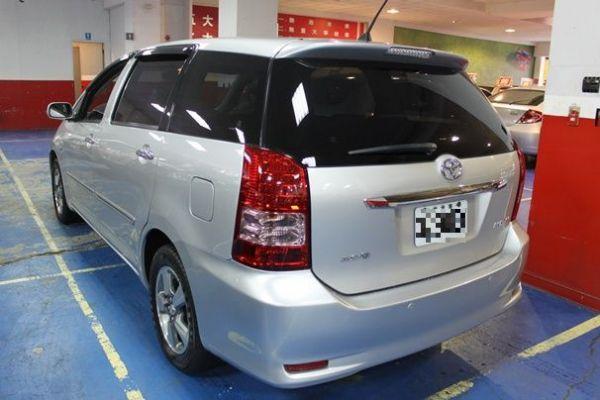 豐田 WISH 2.0 銀色 照片10