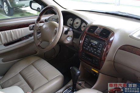 Ford 福特 Tierra LS 照片5