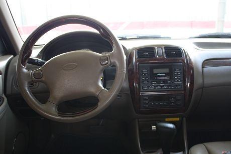 Ford 福特 Tierra LS 照片10