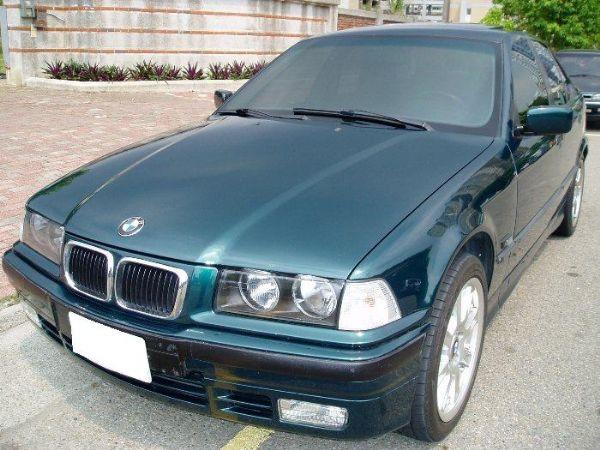 BMW 318is  照片1