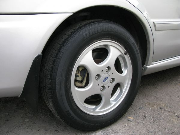 運通汽車-2001年-福特-Tierra 照片6