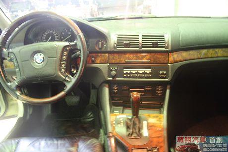 BMW 寶馬 5系列 528 照片4