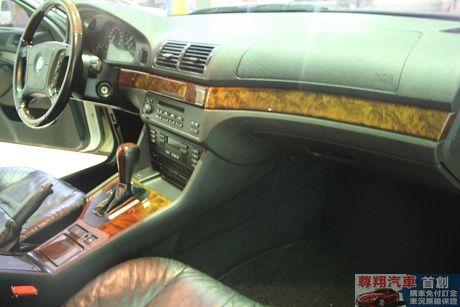 BMW 寶馬 5系列 528 照片5