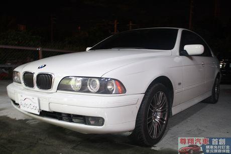 BMW 寶馬 5系列 528 照片9