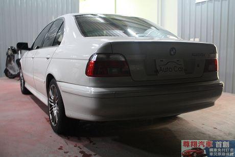 BMW 寶馬 5系列 528 照片10