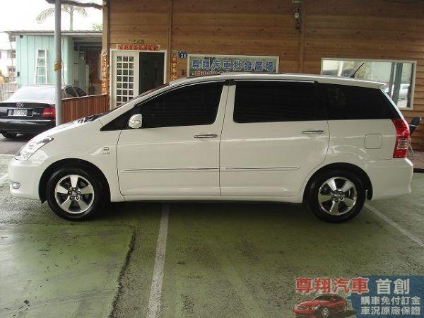 Toyota豐田 Wish 照片4