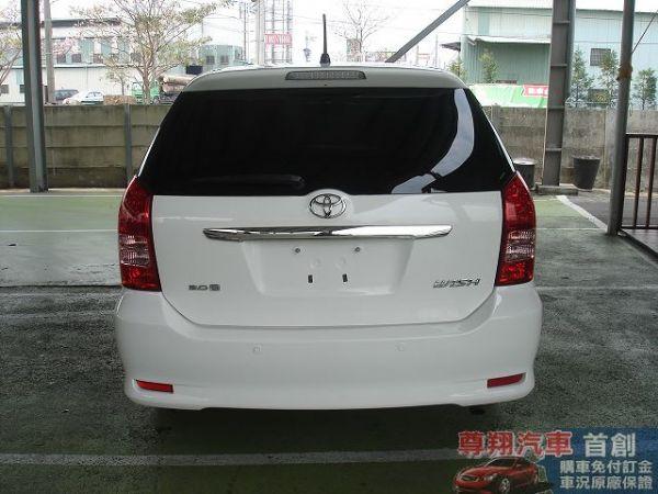 Toyota豐田 Wish 照片5
