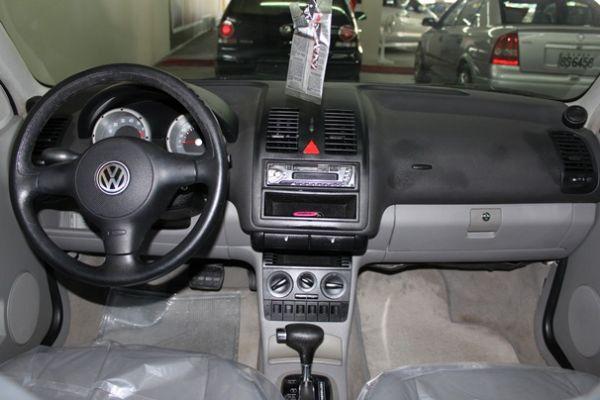 01 VW 福斯  Polo 1.4 白 照片4