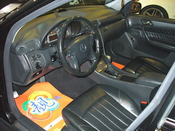 04年Benz/朋馳C32 AMG 照片2