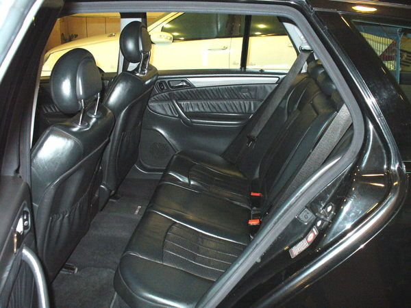 04年Benz/朋馳C32 AMG 照片4
