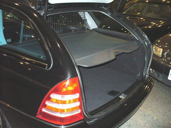 04年Benz/朋馳C32 AMG 照片6