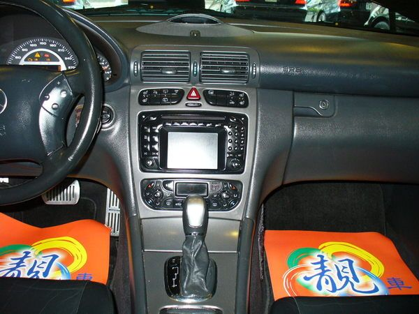 04年Benz/朋馳C32 AMG 照片7